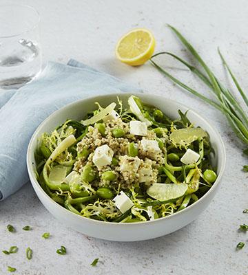 Tagliatelle de concombre au sésame noir, salade de boulghour